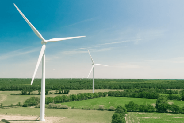 Picture of wind turbines- Photo credit: Thomas Reaubourg, Unsplash